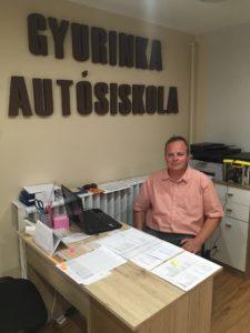 A Gyurinka Autósiskola elérhető árakon nyújt minőségi kresz tanfolyamokat.