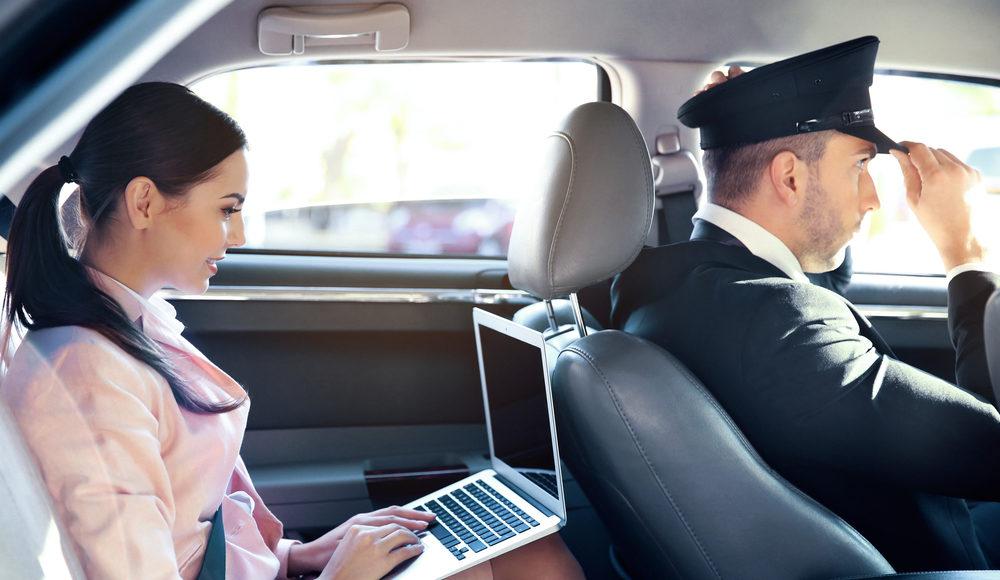 Üzleti partnerei kényelméről gondoskodjon elit személyszállítással!