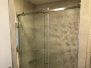 tolóajtós zuhanykabinok